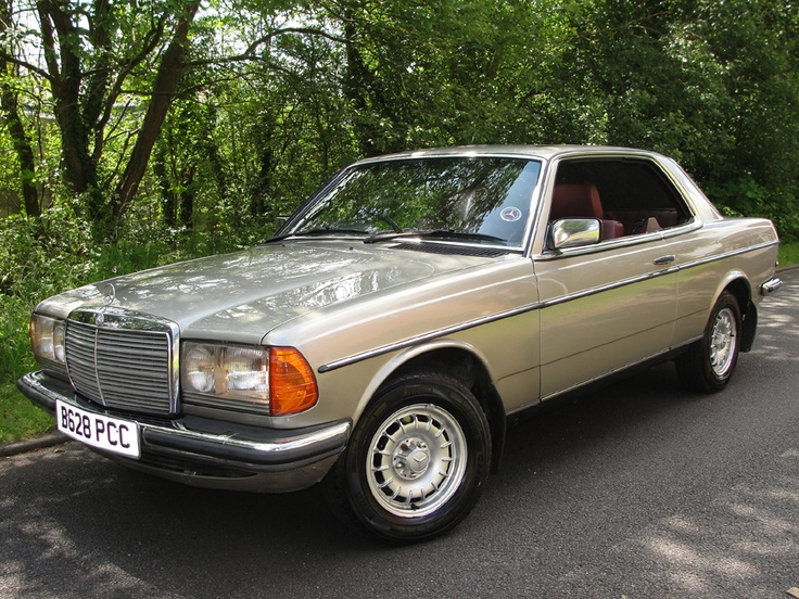 1985 b mercedes 230ce coupe automatic w123 totally stunning mercland cool cars pinterest. Black Bedroom Furniture Sets. Home Design Ideas