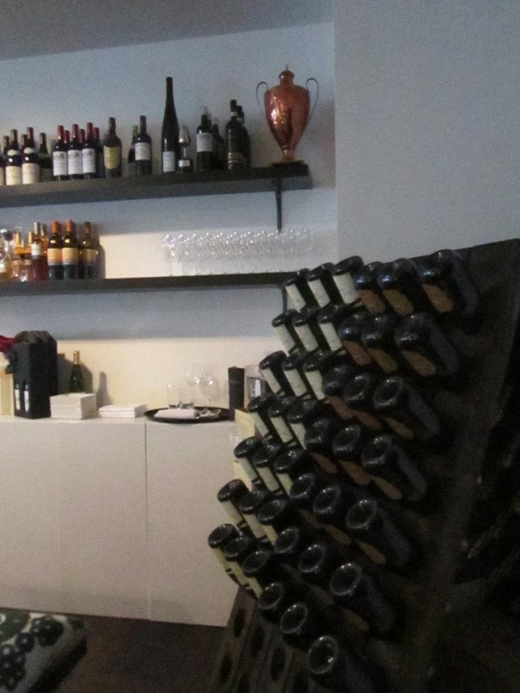 Wine holder by Champagne Compagniet @Restaurant CLOU