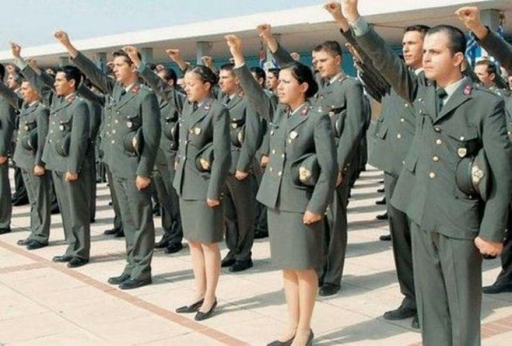 Αυτά είναι τα προσόντα που πρέπει να έχουν οι υποψήφιοι για τις Στρατιωτικές Σχολές - http://www.kataskopoi.com/113500/%ce%b1%cf%85%cf%84%ce%ac-%ce%b5%ce%af%ce%bd%ce%b1%ce%b9-%cf%84%ce%b1-%cf%80%cf%81%ce%bf%cf%83%cf%8c%ce%bd%cf%84%ce%b1-%cf%80%ce%bf%cf%85-%cf%80%cf%81%ce%ad%cf%80%ce%b5%ce%b9-%ce%bd%ce%b1-%ce%ad%cf%87/