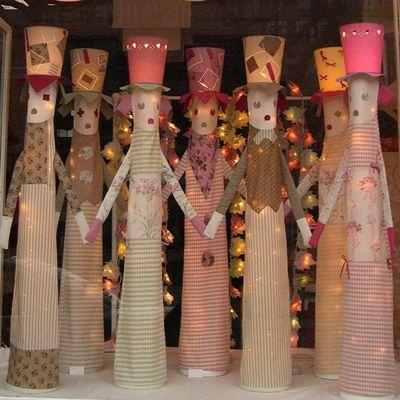 TOTOS, lampadaires pour enfant en tissus avec chapeau en abat-jour.