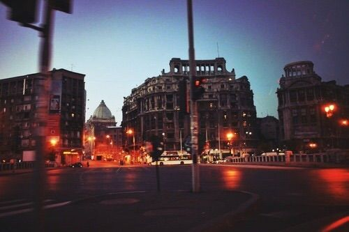 Imagine prin We Heart It #beautiful #bucharest #city #lights #night #photography #romania #bucurești