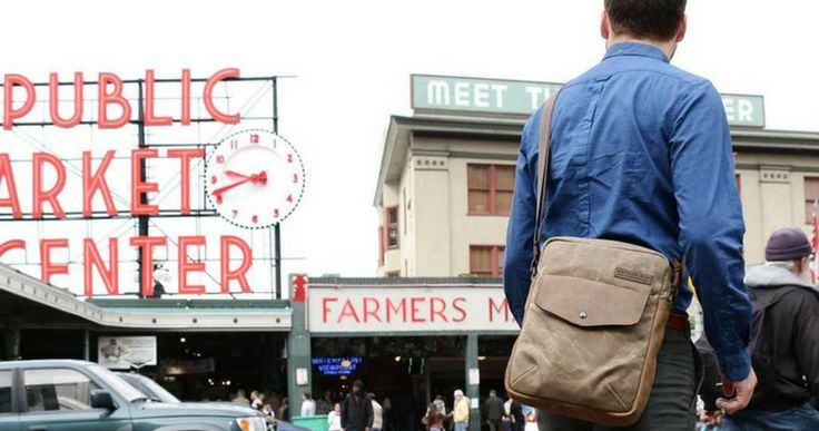 San Francisco based Waterfield Designs have a nice collection of laptop bags including their latest, the vertical laptop bag Bolt Crossbody.