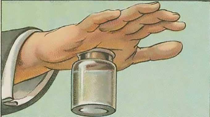 Une écharde s'est enfoncée dans votre main ou votre pied ? Surtout ne la touchez pas ! Il existe une astuce toute simple pour l'enlever. Tout ce dont vous avez besoin pour l'enlever, c&#39