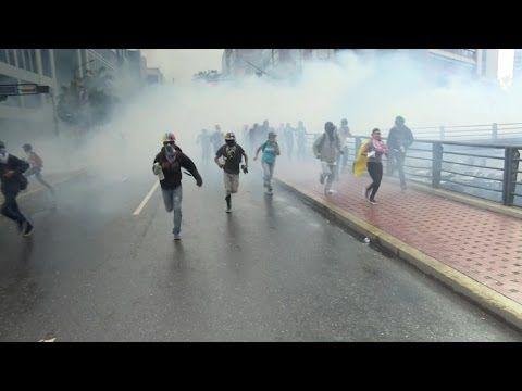 Dispersan marcha opositora en Venezuela, ya suman 66 muertos
