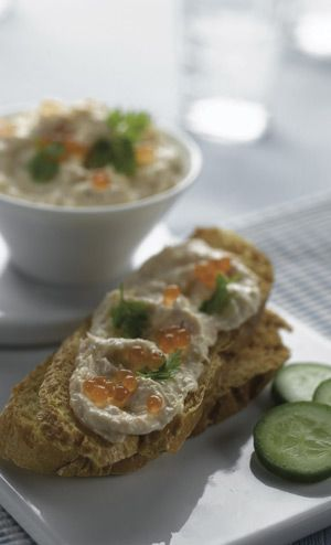 Mini Grilled Bread Rounds with HUON Gourmet Dip and HUON Caviar