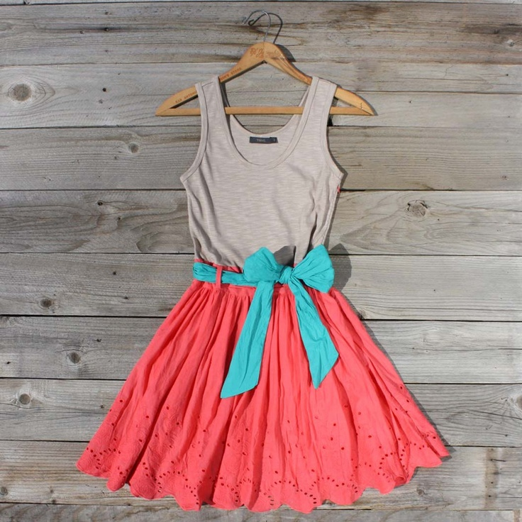 .: Colors Combos, Coral, Cute Dresses, Casual Summer Outfits, Colors Combinations, Bows, Cute Summer Dresses, Summer Colors, Bright Colors