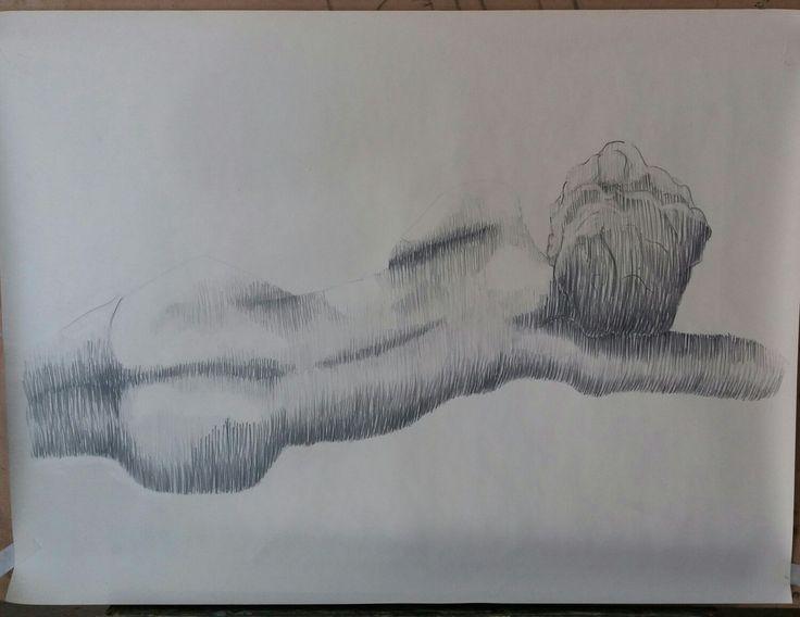 Dibujo Anatómico femenino. Achurado con lápiz grafito.