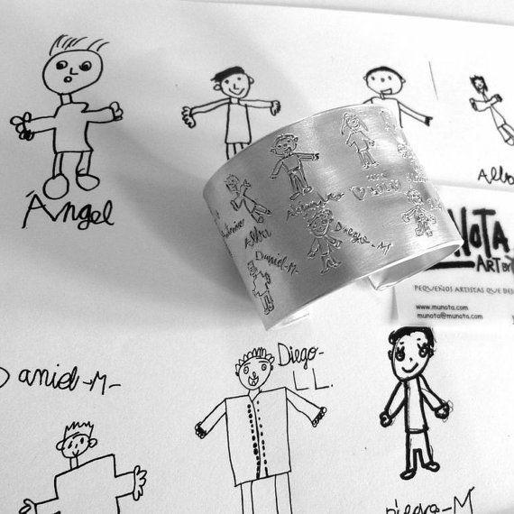 pulsera esclava personalizada con el dibujo de tu hij@. regalo ideal para hacer en grupo