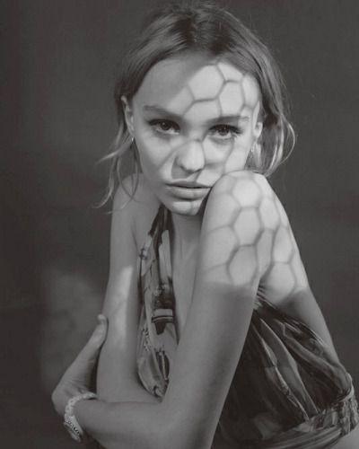 ˗ˏˋ I s a b e l l a ˊˎ˗                    Lily Rose Depp