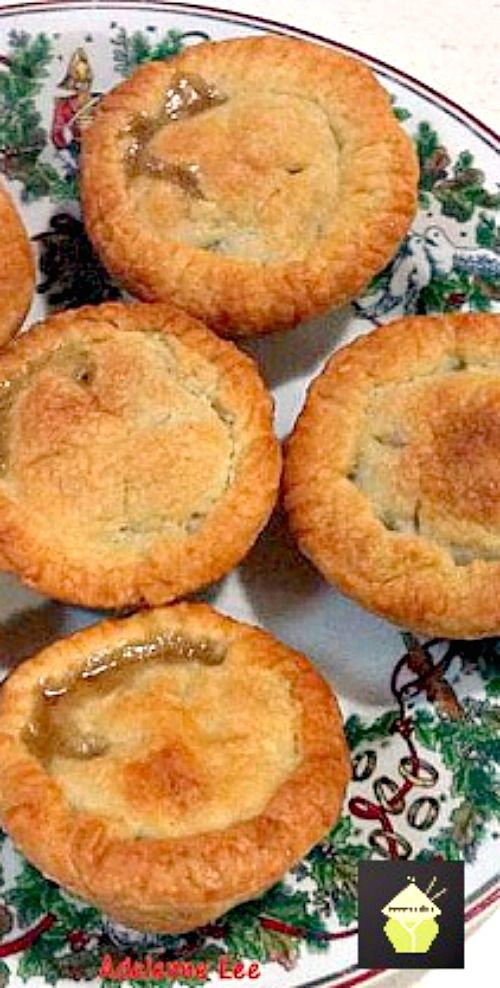Mini Apple Pies - Easy to make and delicious fresh from the oven! #apple #pie #dessert #easyrecipe