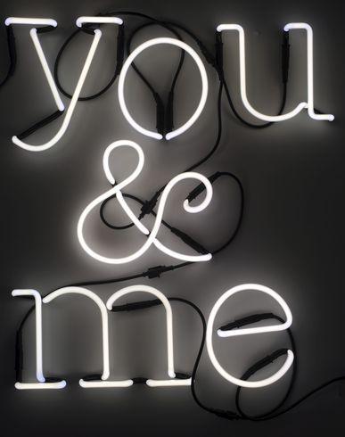 Настенная Лампа Seletti на YOOX. Коллекция Seletti онлайн: Настенные Лампы. YOOX: эксклюзивные изделия от итальянских и международных дизайнеров, безопасная оплата, прост...