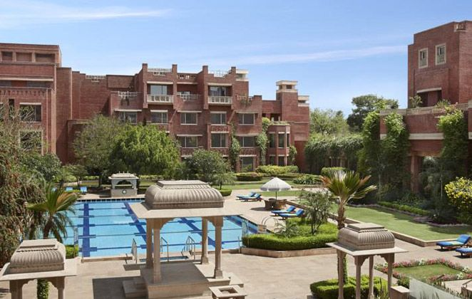 ITC Mughal – A Luxurious Hotel in City of Taj Mahal .Positioned over 35 acres of luxurious and tastefully manicured greenery, ITC Mughal is a lavish abode in close proximity to the Taj Mahal