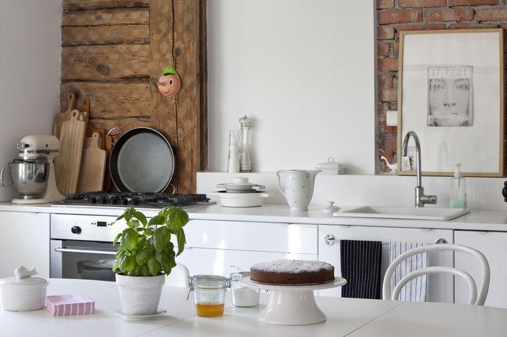 Drewniana chata za miastem / Joanna Gwis – nowoczesna STODOŁA   wnętrza & DESIGN   projekty DOMÓW   dom STODOŁA