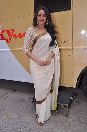 Sonakshi Sinha at the Lootera trailer launch. http://www.vogue.in/content/style-evolution-sonakshi-sinha#9