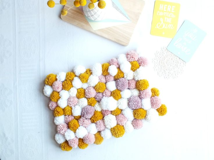 EmiliJolie // blog lifestyle, mode, diy // rennes » Tapis de pompoms