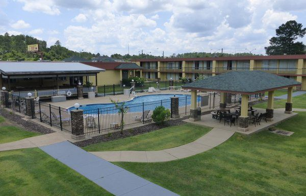 Affordable, Pet Friendly Hotel In Alabama  Red Roof Inn Columbus   Phenix  City