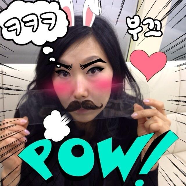 Pow! - Mustache Mania http://itunes.apple.com/us/app//id491895713?mt=8