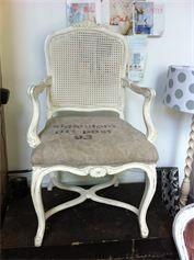 Opdracht stoel gestoffeerd met een mooie oude ptt postzak
