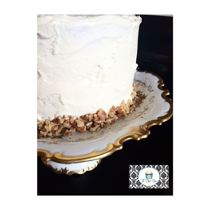 Carrot cakes have got to be one of my favorite cakes ever!