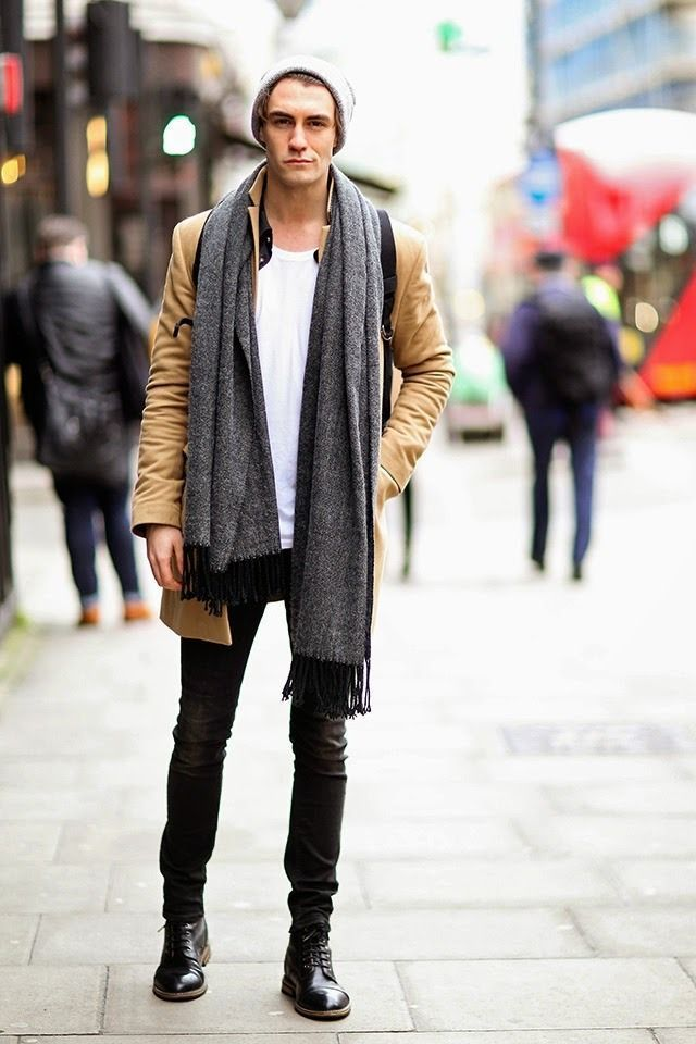 Urban, sophisticated, but still a great street style look. Camel overcoat with black skinny jeans and boots.