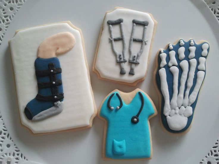 Médico ortopedista - muletas, raio X - cookies, biscoitos decorados | by Cookie Design