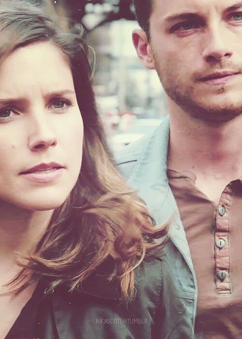 Sophia Bush & Jesse Lee Soffer, can't wait for this show to come back! #ChicagoPD