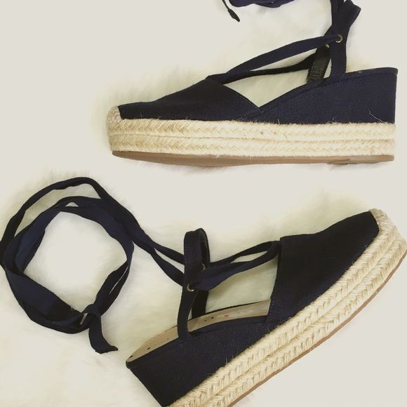 NWOT Via Spiga Navy Espadrille w/ Ballet Ties Summer loving! Classic navy espadrilles with ballet ties. One small mark to one sole, otherwise perfect! Via Spiga Shoes Espadrilles
