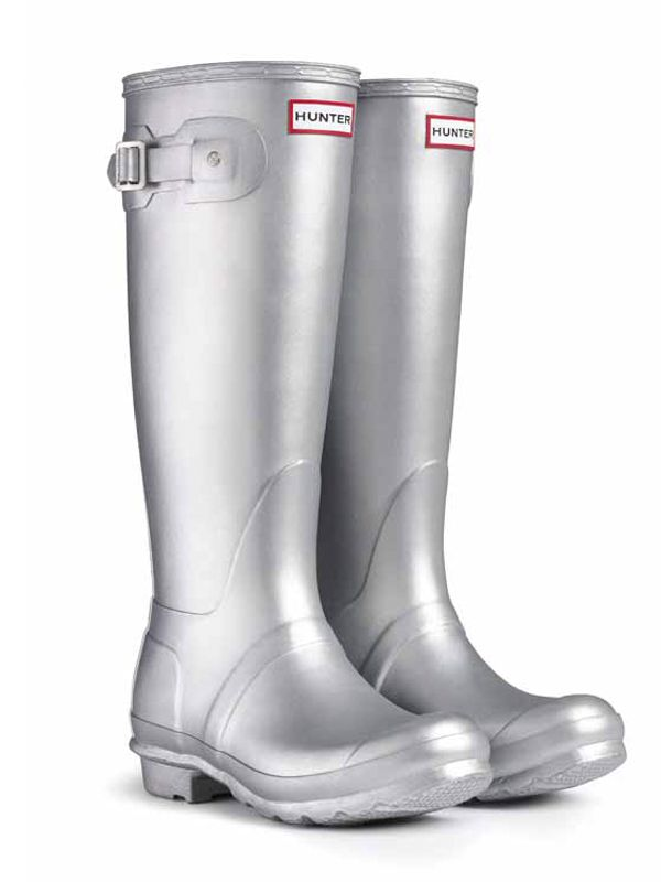 I actually spray painted my wellies to look like these ones... unfortunatley the paint came off before I even had a chance to put them on...