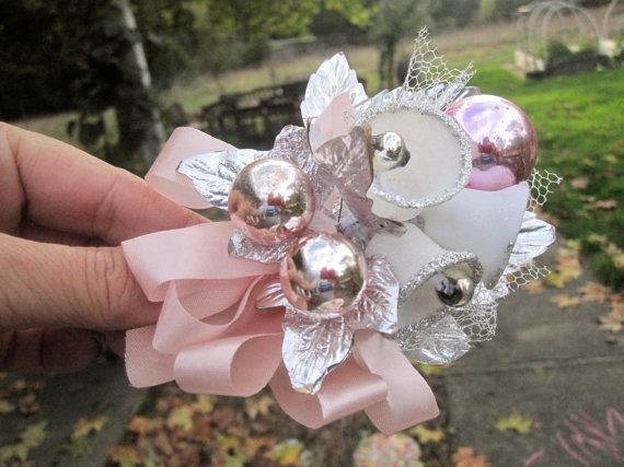 Vintage Corsages Christmas Pink