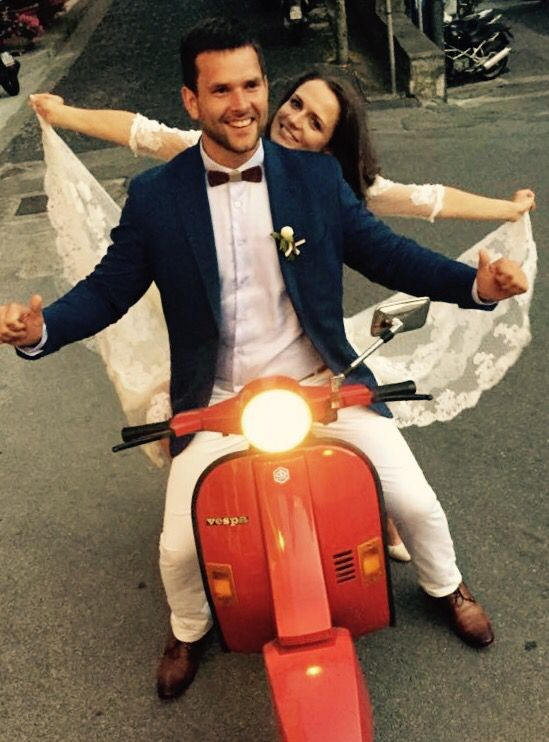 Fly by vespa, Wedding Day, Bride and Groom, peach green and white colors, Hotel Bonadies, ravello, Olga Studio, Sposa Mediterranea, Federica Wedding Planner