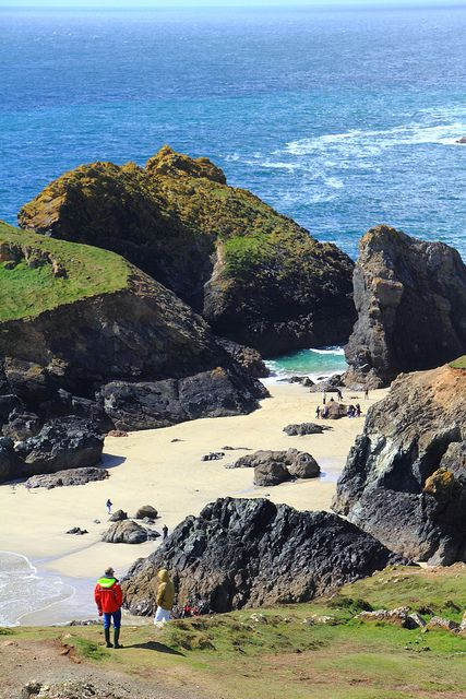 Kynance Cove - Cornwall UK ... #cornwall hotel deals http://holipal.com/hotels/