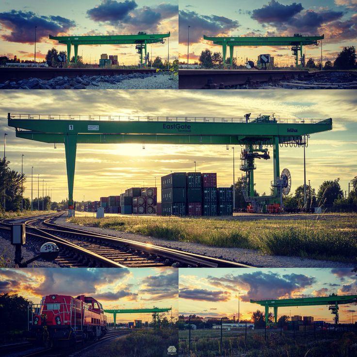 Sundowner behind the industry #sonnenuntergang #terminales #traffic #cloud #Wolken #industrie #eastgate www.diemojaenchen.de