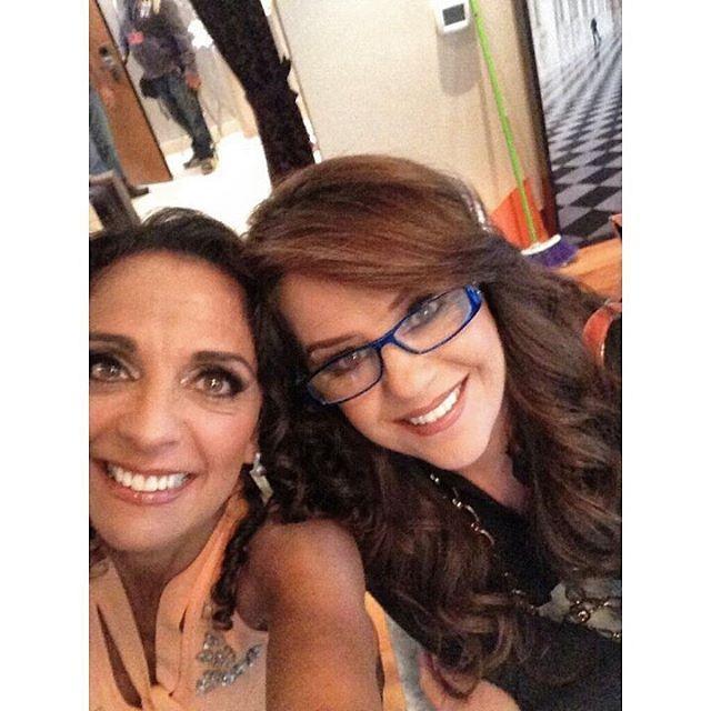 Nuestras queridas @fdameade y @isabel_lascurain preparando nuevo vídeo lyric #Pandora30 #LaOtraMujer #SegundoSingle