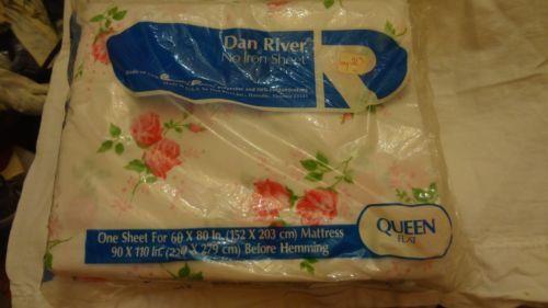 VINTAGE-DAN-RIVER-QUEEN-FLAT-BED-SHEETS-ROSES-FLORAL-60-X-80-NIP
