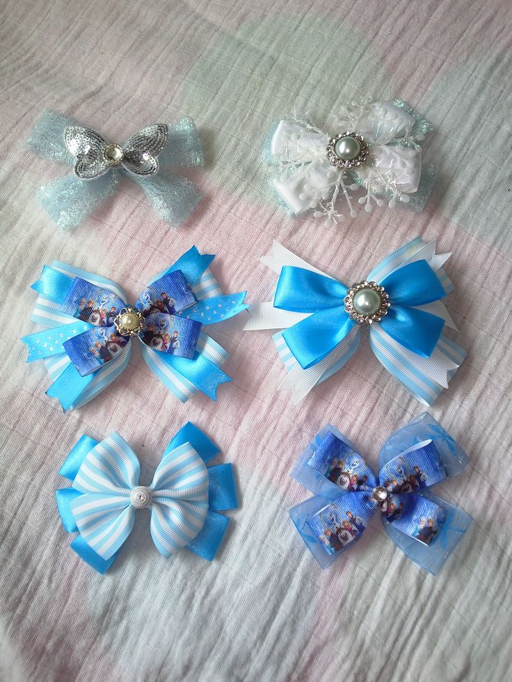 Bubblegum Treehouse Frozen inspired Boutique bows for all fans out there