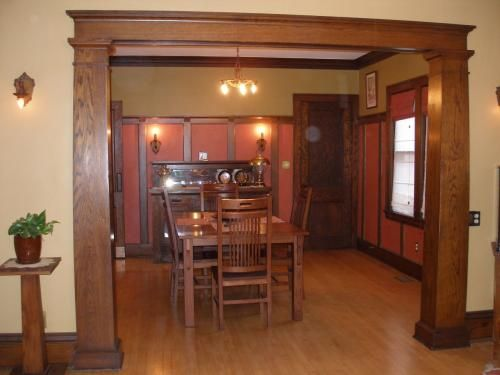 1000 images about bungalow life on pinterest los for Arts and crafts wainscoting