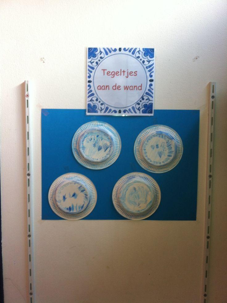 Delfts blauwe tegeltjes gemaakt van papieren bordjes! -juf Monica