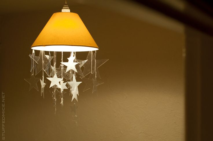 Christmas decorations: DIY star mobile from plastic. Upcycling.