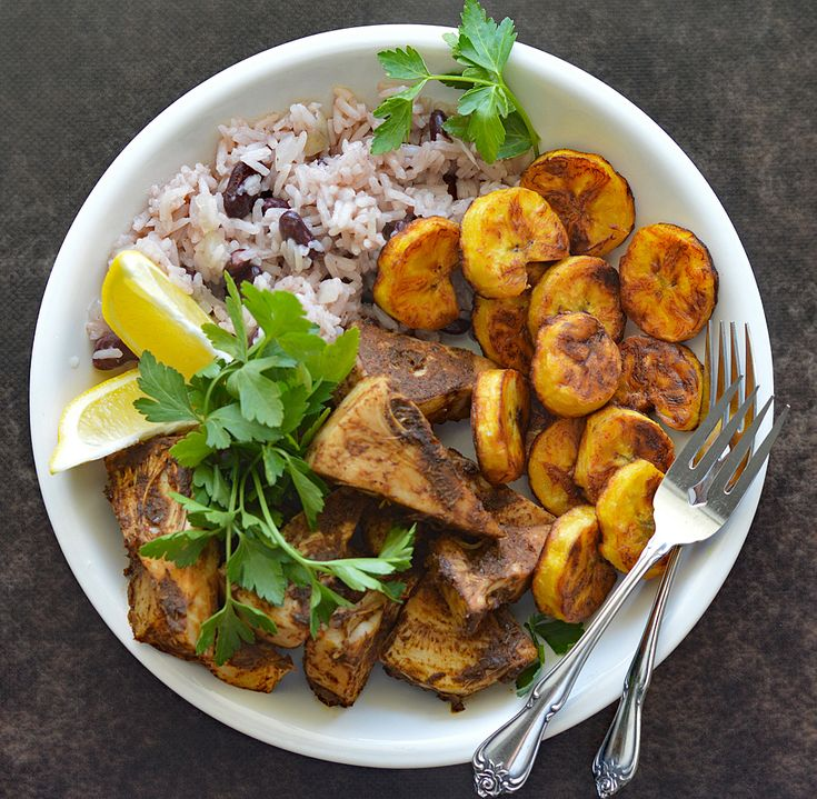 Jamaican Jerk Jackfruit with Beans and Rice | TheVegLife | Bloglovin'