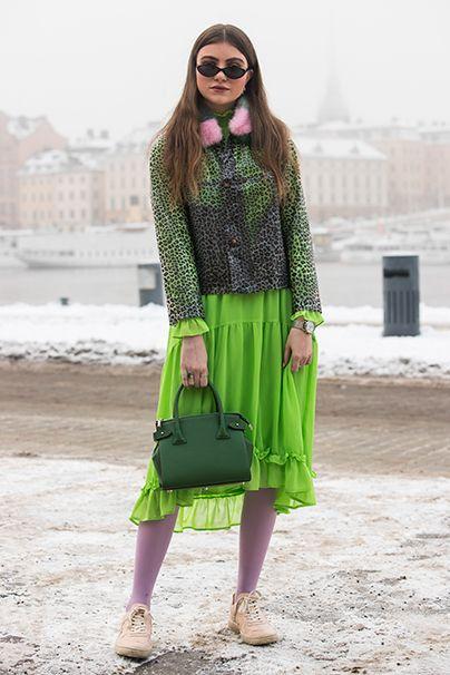 Grelle Mademoiselle. Dient dem Stylefaktor genauso wie der Verkehrssicherheit: Neongrün!
