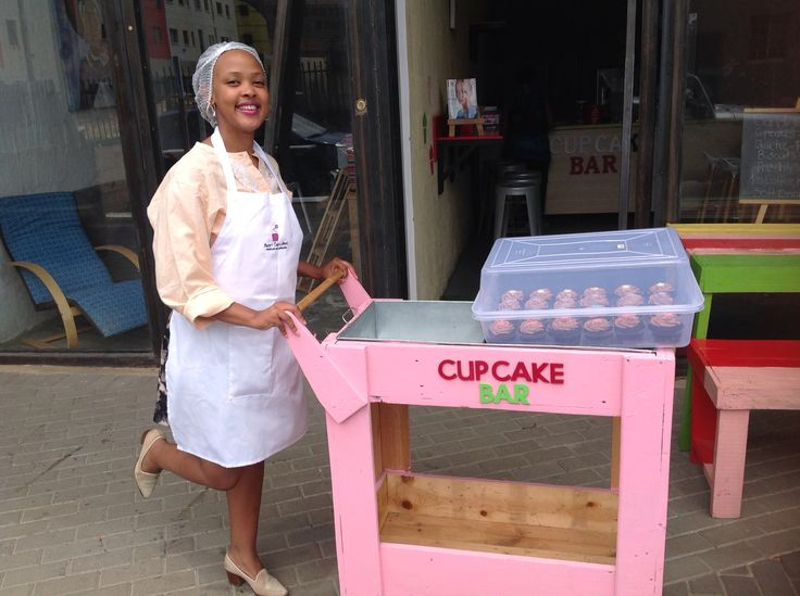 Cup cake trolley