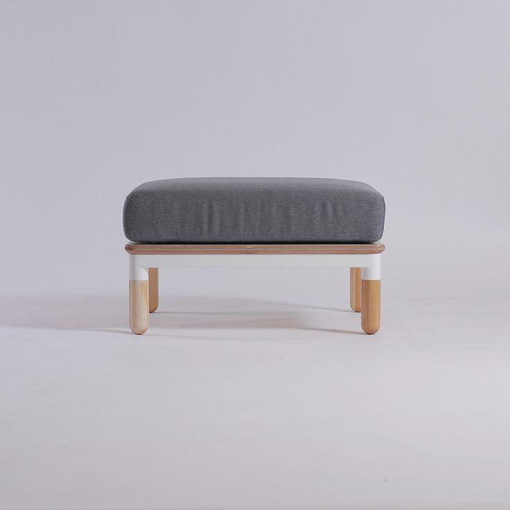 R5 couch by Ukrainian design bureau ODESD2. Designer: Valentyn Luzan.