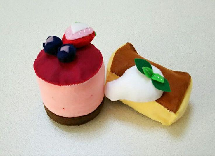 フェルトでケーキ。