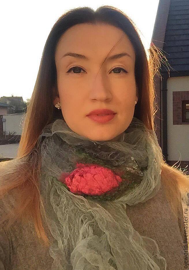 """Купить """"Роза навсегда"""" шарф - шарф, картина в подарок, olgajw, ojeworld, маргиланский шелк"""