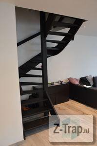 open trap zwart mooie kleur