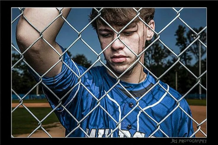 Captures his scar from Tommy John's surgery.