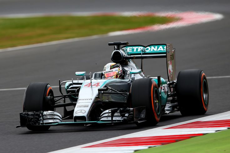 Lewis Hamilton Photos: F1 Grand Prix of Great Britain - Qualifying