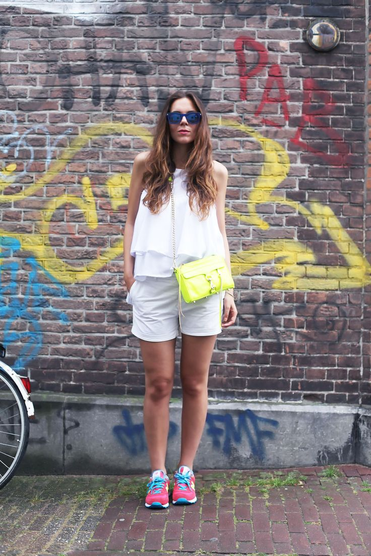 All white daytime look with colourful accessories