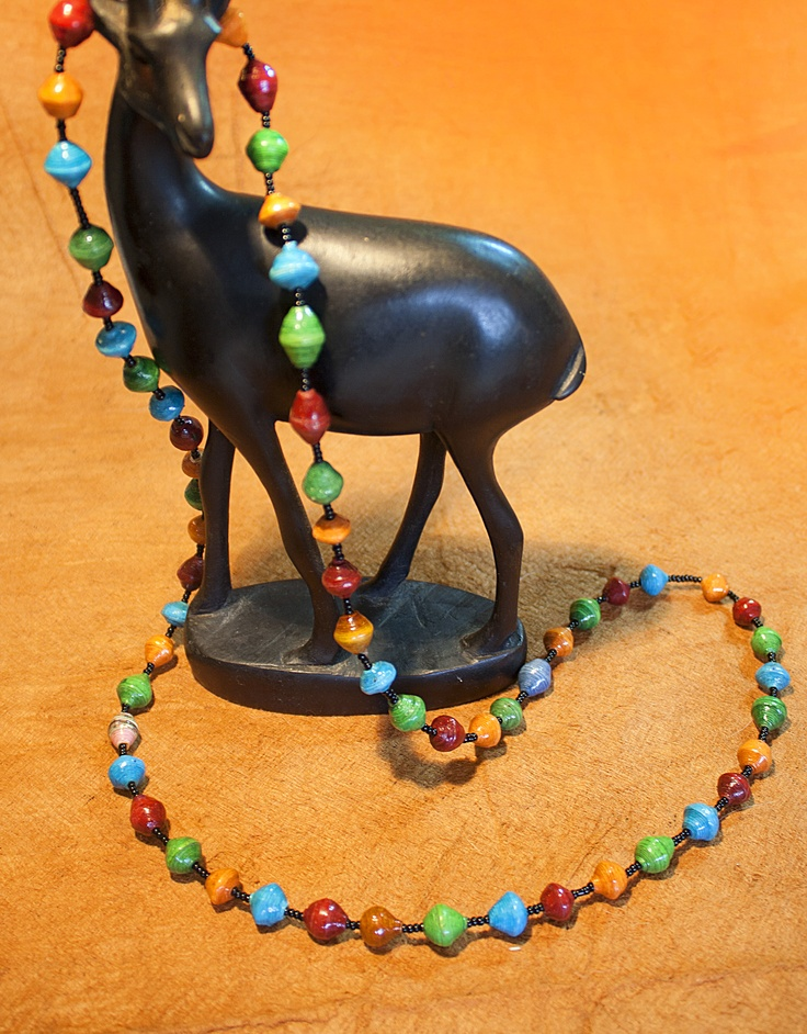 The Africa is a single bead necklace that comes in blue, yellow, red and green and is a vibrant reflection of the cool African vibe.