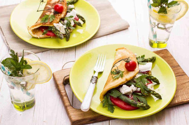 Lekki omlet biszkoptowy ze szparagami i kozim serem #smacznastrona #wielkanoc